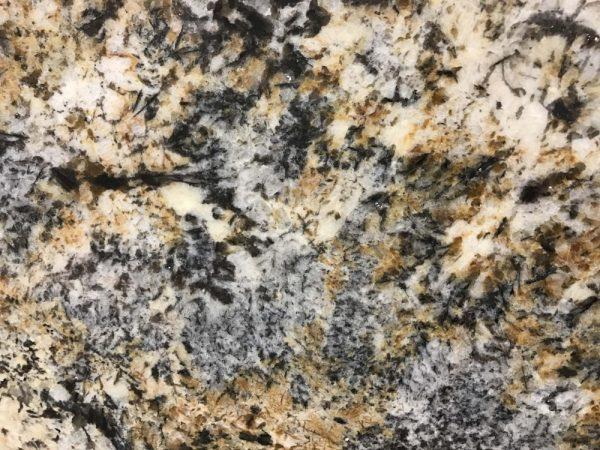 Granite – Caravelas Gold close-min
